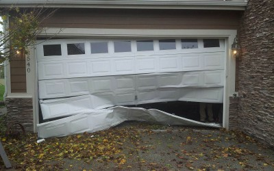 Signs That It Might Be Time to Replace Your Garage Door